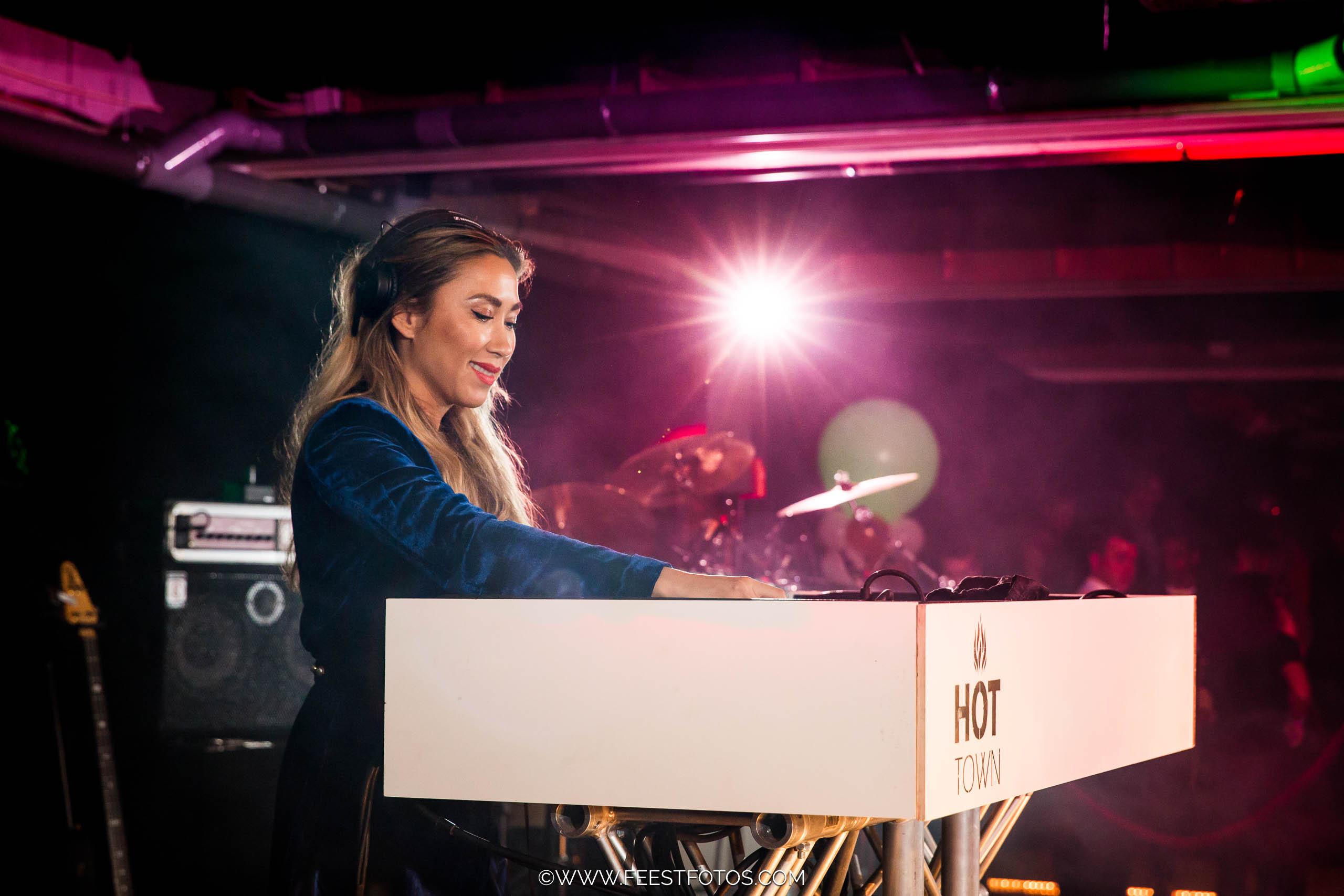 Vrouwelijke DJ